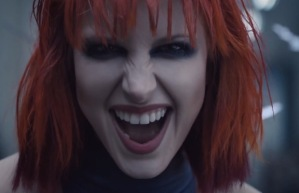 Hayley_Williams_-_Tay_Swift_video